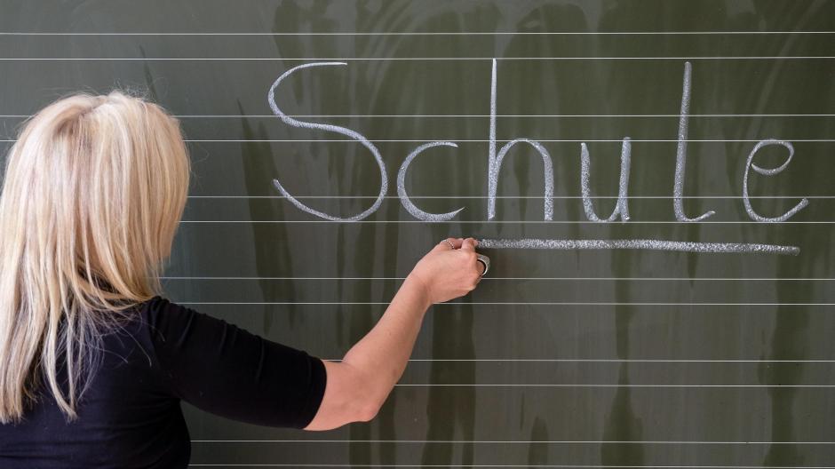 Schule Warum Im Sommer Viele Lehrer Arbeitslos Sind Nachrichten