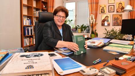 Barbara Stamm, 73, hat sich in ihrer zehnjährigen Amtszeit als Landtagspräsidentin auch in zahlreichen Ehrenämter engagiert. Davon zeugen die rumänischen Ikonen in ihrem Büro.