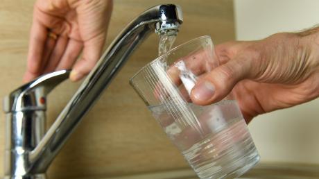 Wasserglas_Wasserhahn_Juli17_19_St.jpg