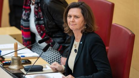 LandtagspräsidentinIlse Aigner (CSU) wettert gegen den CSU-Fraktionsvorsitzenden Thomas Kreuzer