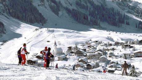 Schön sieht es aus , wenn man auf Skiern steht und aufBerwang blickt. Eine Skigruppe aus Leitershofen erlebte das am Sonntag anders. Dort ging eine Lawine ab.
