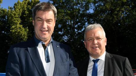 CSU-Chef Markus Söder (links) und der wiedergewählte schwäbische Bezirksvorsitzende Markus Ferber.