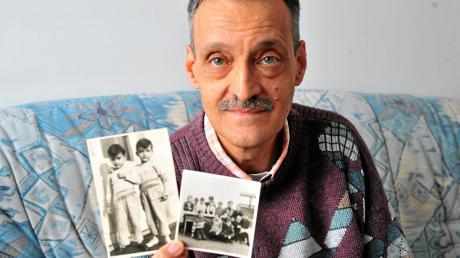 Erinnerungen, die schmerzen: Konrad Trapp zeigt Fotos aus seiner Zeit im Kinderheim. Das Bild links zeigt ihn mit seinem Zwillingsbruder Leonhard (auf dem Foto rechts).