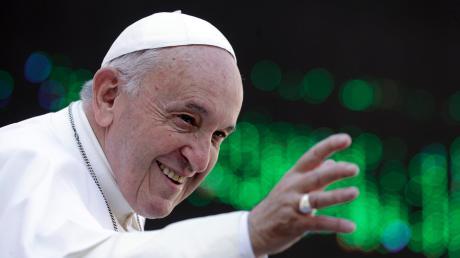 """Papst Franziskus hat von den Synoden-Teilnehmern """"mutige Vorschläge"""" eingefordert."""