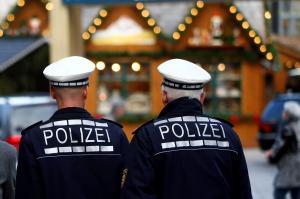 Die Polizeigewerkschaft sagt: Man könnte die Polizei-Präsenz auf Weihnachtsmärkten stärken, wenn man die Bereitschaftspolizei von den Grenzkontrollen abziehen würde.