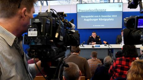 Bei der Pressekonferenz zum Augsburger Tötungsdelikt waren viele Journalisten da.