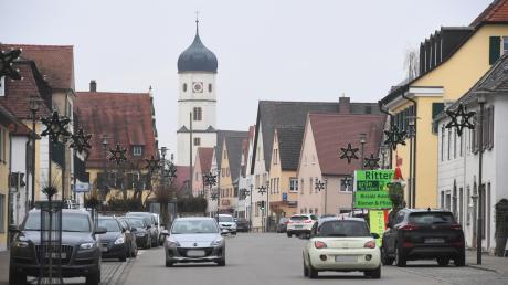 Die Hauptstraße von Wallerstein.
