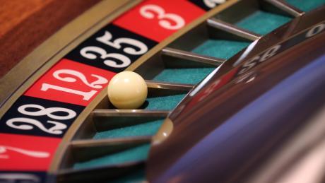 Am Ende gewinnt immer die Bank, heißt ein Sprichwort. Für Bayers Spielbanken galt das jahrelang nicht.