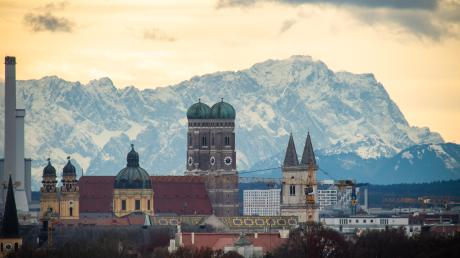 Die zwei Türme der Münchner Frauenkirche kennt man auf der ganzen Welt – und auch die Stadt selber soll schillerndes Zentrum sein. So will es Ministerpräsident Söder. Wäre da nur nicht der Regierungsbezirk drumherum.