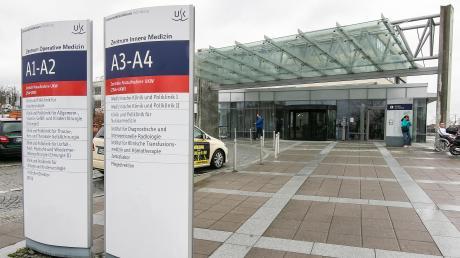 In der Würzburger Uniklinik gibt es zwei Corona-Patienten. Einer von ihnen verstarb in der Nacht auf Donnerstag.