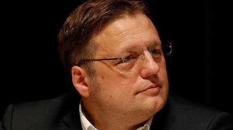 """Der Einfluss des """"Flügels"""" um Björn Höcke in Bayern werde überschätzt, sagt der schwäbische AfD-Vorsitzende Gerd Mannes."""