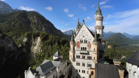 Auch im Gebiet rund um das weltberühmte Schloss Neuschwanstein sollte Wandern verboten werden. Das Schloss selbst hat ohnehin geschlossen.