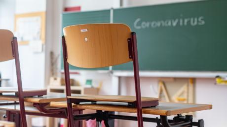 Einmal weg von der Schule, kommt es beim Lernen auf Eigeninitiative an. Mancher Schüler ist für seine Lehrkraft dann kaum mehr greifbar.
