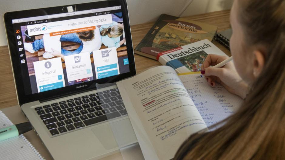Schulstart In Bayern Bereit Fur Digitalunterricht So Lief Das Umstrittene Mebis Zum Schulbeginn Augsburger Allgemeine