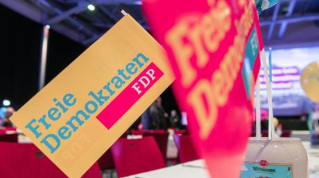 Die FDP im bayerischen Landtag beschwert sich über vermeintliche Tricksereien im Rahmen eines Gesetzgebungsverfahrens.