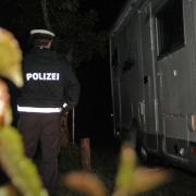 Immer wieder erwischt die Polizei Wildcamper in Naturschutzgebieten. 120 Euro zahlen sie im Schnitt.