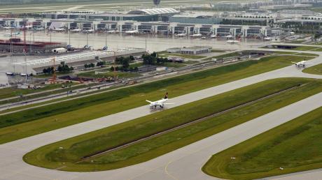 Der Flughafen München rechnet über die Weihnachtsferien mit 200.000 Passagieren.