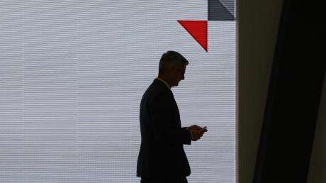 """""""Vorsprung durch Technik"""", das ist der Markenspruch von Audi. Für den einstigen Chef Rupert Stadler geht es abwärts: hinunter in den Keller des Stadelheimer Hochsicherheitsgerichtssaals. Dort wird ihm der Prozess gemacht."""