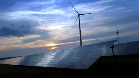 Das bayerische Klimaschutzgesetz sieht vor, dass die CO2-Emissionen im Freistaat bis 2030 auf unter fünf Tonnen pro Kopf und Jahr sinken sollen.