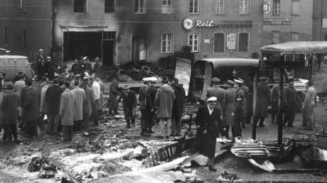 Wegen eines technischen Defekts stürzte am 17. Dezember 1960 eine amerikanische Militärmaschine über den Münchner Innenstadt ab. 52 Menschen starben bei dem Unglück.