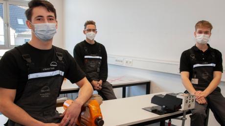 Nelson Machado Teixeira, Samuel Nachtmann und Joshua Zilliox (von links) haben mit einem elektromagnetischen Schraubstock gewonnen.