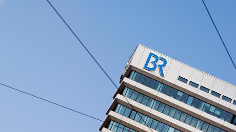 """Der Bayerische Rundfunk möchte die ganze bayerische Vielfalt abdecken. Das gelinge """"in weiten Teilen sehr gut"""", heißt es aus dem Sender. Zwei Sprachwissenschaftler sind anderer Meinung."""