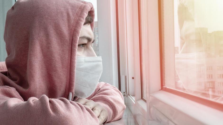 Einsam in der Pandemie: Viele Jugendliche haben in der Corona-Krise unter der Isolation gelitten.