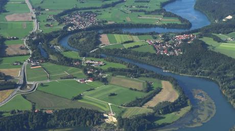 Der Lech aus der Vogelperspektive (hier bei Schongau): Einst war der Fluss wild und ungezähmt, dann griff der Mensch ein.
