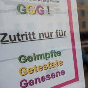 In vielen Lebensbereichen ist die 3G-Regel maßgeblich. Die Stadt Landsberg setzt künftig auf 3G-plus - das heißt dass neben Genesenen und vollständig Geimpften nur Menschen mit einem negativen PCR-Test Zugang zu Veranstaltungen bekommen.