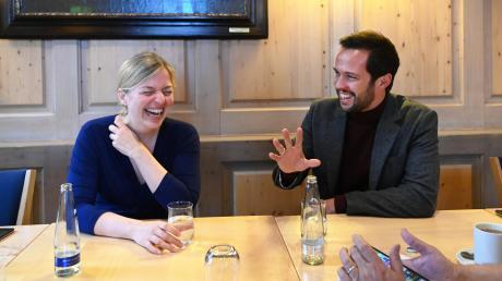Katharina Schulze (Grüne) und Martin Hagen (FDP) gehören zu den jüngsten Fraktionsvorsitzenden in deutschen Parlamenten. Die Zeiten, dass Grüne und FDP sich politisch spinnefeind waren, gehören für sie der Vergangenheit an.