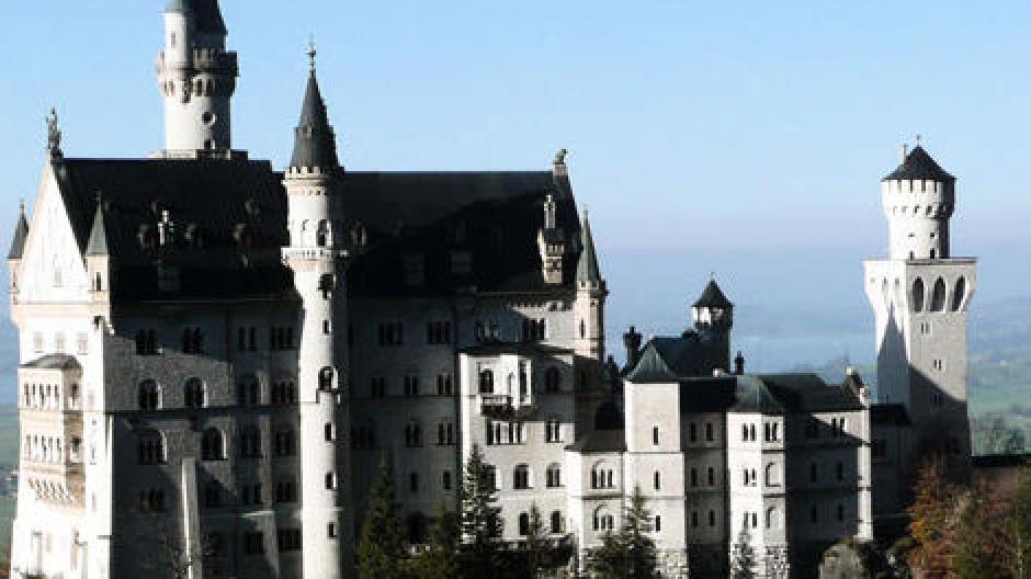 Schloss Neuschwanstein: Im Winter kommen die Besucher König ...