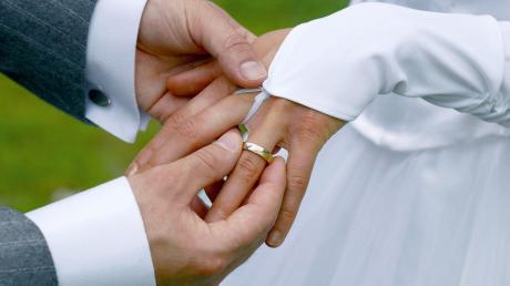 Bei einer Hochzeit im Kloster Bernried am Starnberger See rückte am Samstag die Polizei an.