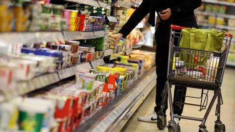 Corona-Krise: Die Gewerkschaft NGG will auf die Mitarbeiter in der Lebensmittelindustrie aufmerksam machen.