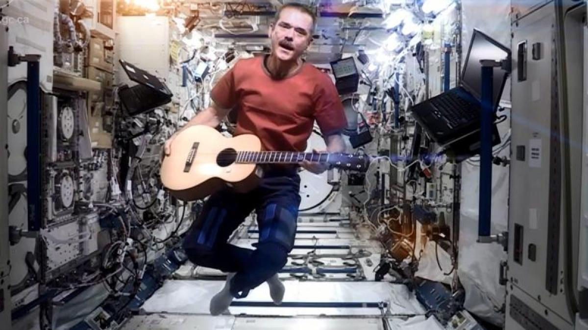 video  astronaut der iss wird zum youtube-star