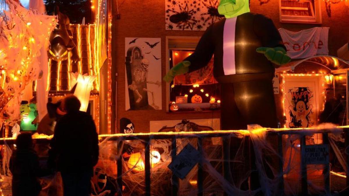 golf halloween in hamm bilder augsburger allgemeine. Black Bedroom Furniture Sets. Home Design Ideas