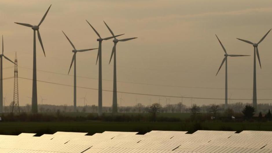 """Zur Finanzierung von Klimainvestionen fordert Stefan Brunnhuber einen """"grünen Euro""""."""
