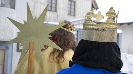 Traditionell ziehen kurz nach Neujahr Sternsinger von Haus zu Haus, dieses Jahr sammeln sie für Kinder im Libanon und auf der ganzen Welt.