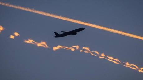 Das Flugzeug ist das klimaschädlichste Verkehrsmittel. Und doch sehr beliebt.