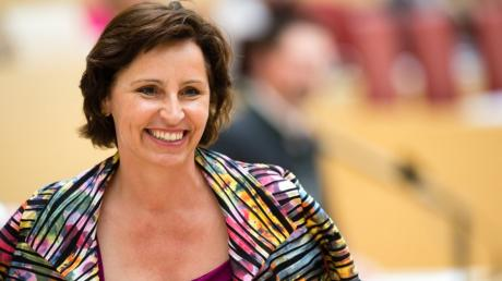 Der bayerische Verfassungsgerichtshof hat eine Klage gegen die ehemalige Chefin der Staatskanzlei Christine Haderthauer (CSU) abgelehnt.
