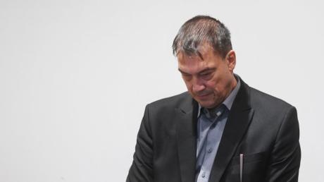 Ex-Landtagsabgeordneter Linus Förster hat seine Strafe abgesessen. Er ging mit seiner Geschichte bewusst an die Öffentlichkeit - doch ist es auch richtig, weiter über ihn zu berichten?
