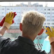 Handschuhe beim Putzen schützen vor Keimen - oder etwa doch nicht?