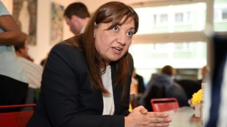 Ekin Deligöz, Bundestagsabgeordnete der Grünen, fordert die Bundesregierung angesichts der katastrophalen Situation in den Flüchtlingslagern an der griechischen Grenze zu einem Hilfs-Alleingang auf.