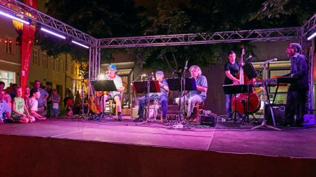 Das Augsburger Straßenkünstlerfest La Strada ist zurück. Am Mittwoch geht es mit einem Konzert am Willy-Brandt-Platz los.