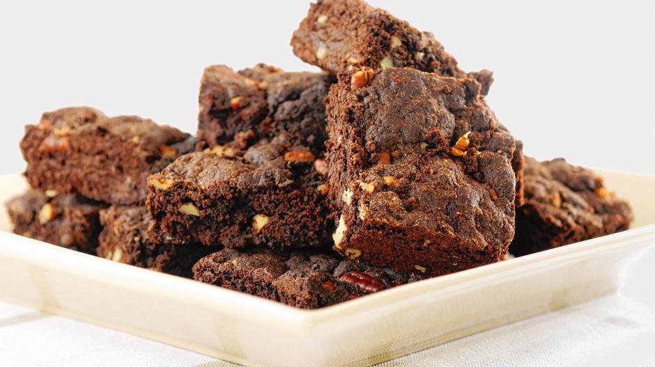 Hier finden Sie ein Rezept für Zimtbrownies mit weißer Schokolade.