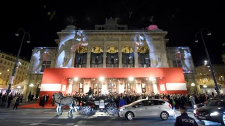 Der 63. Wiener Opernball wird wieder live im TV und als Stream gezeigt.