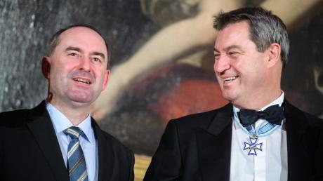 Wirtschaftsminister Aiwanger und Ministerpräsident Söder sind heute in Augsburg.