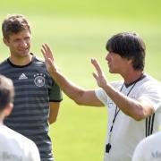 Mats Hummels und Thomas Müller spielen bei der EM 2021 wieder für Deutschland. Hier erfahren Sie, wie Sie das Spiel der DFB-Elf gegen Ungarn im TV und Live-Stream sehen.