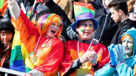 Der typische Düsseldorfer ist gesellig, herzlich und liebt Karneval.