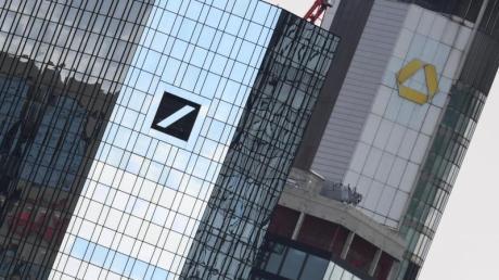 Die Zentralen von Deutscher Bank und Commerzbank in Frankfurt am Main.