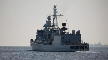 Die Fregatte «Augsburg» übernahm den deutschen Anteil im Einsatz der Operation «Sophia» vor der Küste von Libyen. Foto: Mohssen Assanimoghaddam